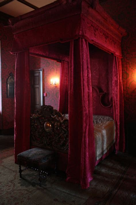 gothic rooms 26 impressive gothic bedroom design ideas digsdigs