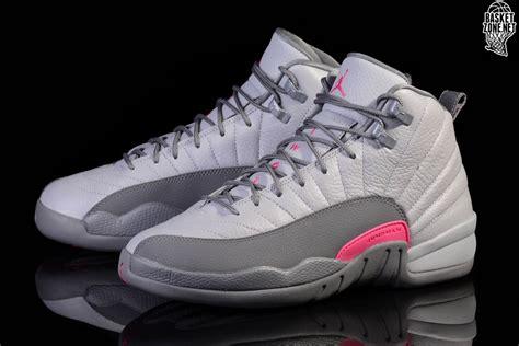 Sepatu Basket Airjordan12 Wolf Grey Nike Air 12 Retro Wolf Grey Pink Price 117
