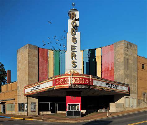 cineplex usa movie theater wikipedia