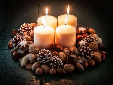 composizioni di natale con candele centrotavola natalizi con frutta secca 16 idee creative