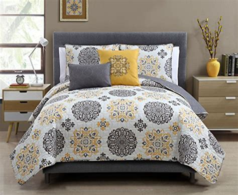 home collection bedding 5 pc yellow grey and white quilt set full queen size