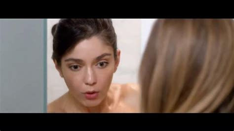 xq commercial actress jergens wet skin moisturizer tv commercial no towel yet