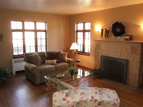 well decorated homes home staging in cincinnati design to market llc bursting