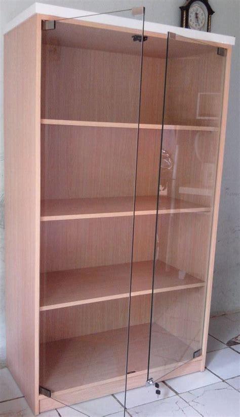 Lemari Kaca Untuk Pajangan lemari pajangan lemari display sasywa interior
