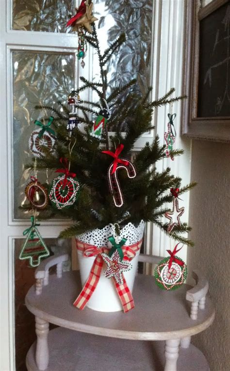dee   carlton eclectic christmas decorations  home
