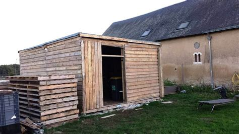 Pallet Sheds by Make Your Own Pallet Shed Or Cabin