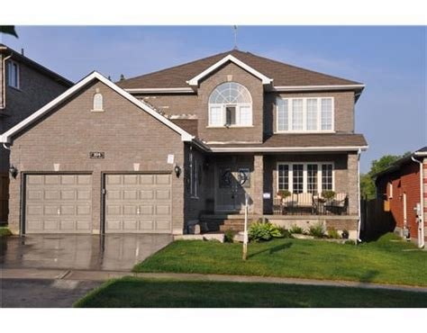 4 Room House 104 Penvill Trail Barrie On L4n 5s3