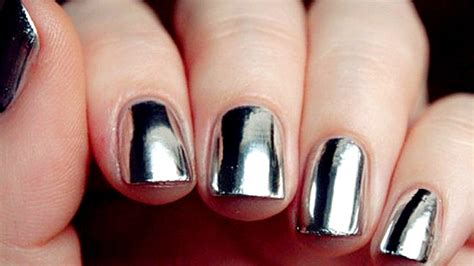 7 Most Fashionable Nail Polishes Of Today by Born Pretty Mirror Nail Is Taking The