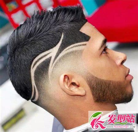 haircut art designs 清爽短发铲两边 男生雕刻刀疤头发型 时尚男发 发型站 最新流行发型设计发型图片与美发造型门户网