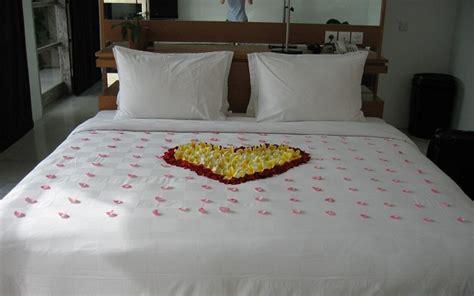 Imagenes Romanticas En La Cama | cama rom 225 ntica para san valent 237 n