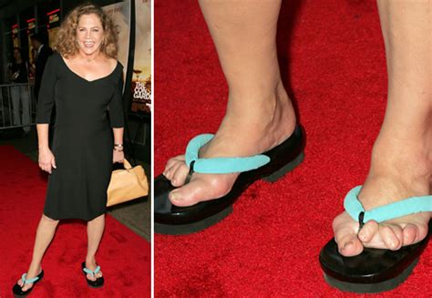 how tall is kathleen turner and weight kathleen turner pieds de stars le calvaire l horreur