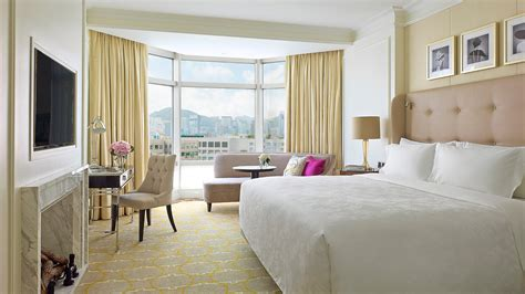 In The Rooms by Executive Room Luxury Hotel Hong Kong The Langham