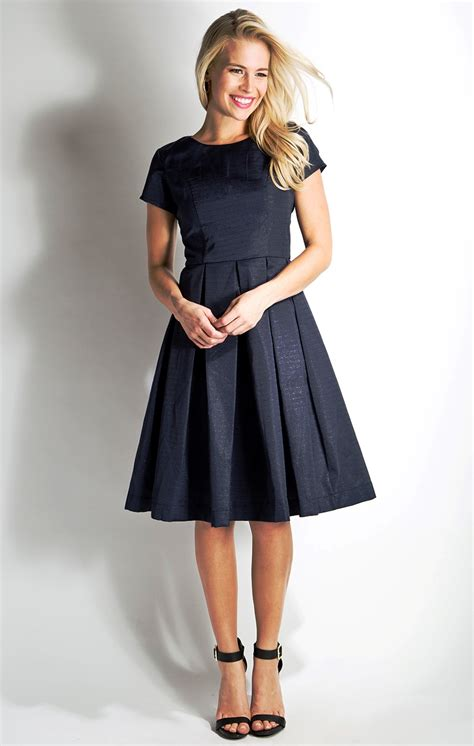 womens outfits in the 20 20 modest women fashion ideas to try instaloverz