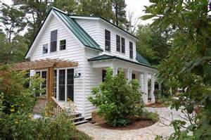 Tinyhousecottages this traditional quot katrina cottage quot design has 3 bedrooms in 1 112 sq