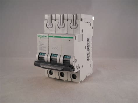 Mcb 32 A 3 Phase schneider mcb 32 pole 3 phase breaker type c