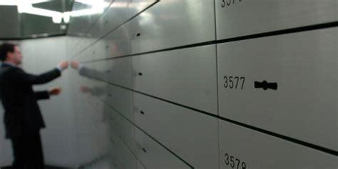 servizio cassette di sicurezza guerra al contante ecco perch 233 la tassa sulle cassette di