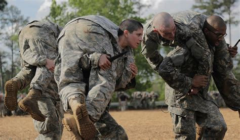 first female soldiers graduate elite army ranger school meet the army s first female graduates of ranger school