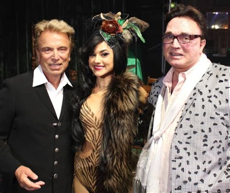 Marilyn Does Vegas Absinthe by Photo Flash Siegfried Roy Visit Absinthe