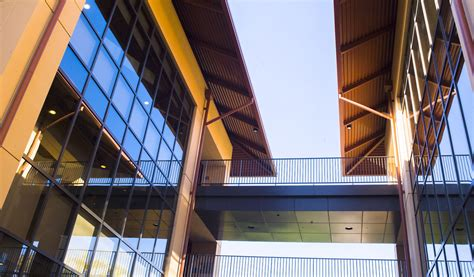 Stanford Mba Faculty by New Faculty Bolster Stanford Gsb Leadership In Management
