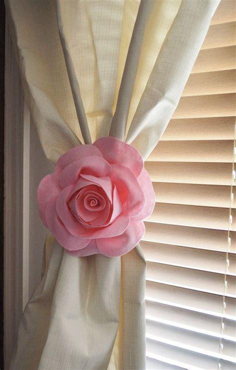 Curtain Tie Backs Nursery Best 25 Pink Curtain Holdbacks Ideas On Pinterest White Curtain Holdbacks And Tiebacks Pink
