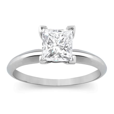 1 carat princess cut solitaire ring in 10k gold