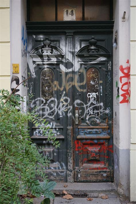 berlin doors bombing science