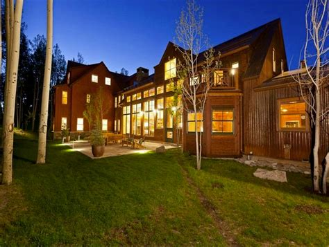 jerry seinfeld house let s take a look at jerry seinfeld s gorgeous telluride house in honor of his