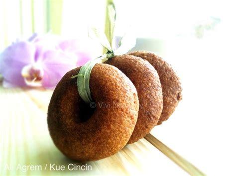membuat kue ali makanbersama kue ali agrem sunda kue cincin betawi