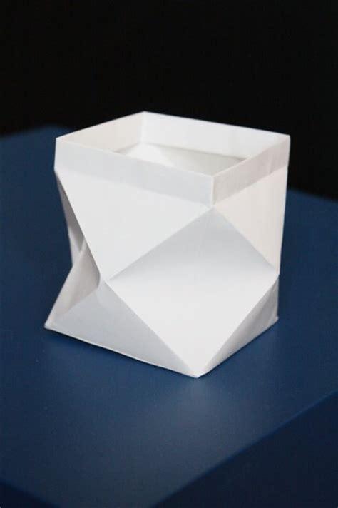 kerzenhalter selber basteln papier bastelanleitungen mit papier prismen und andere