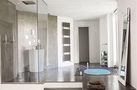 indogate salle de bain beton cire bleu