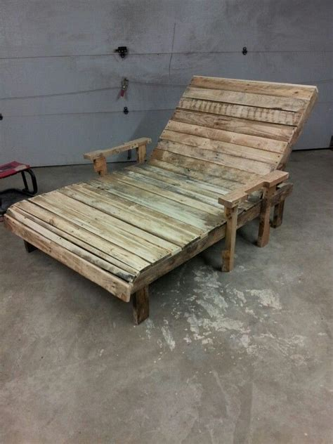 25 best ideas about pallet chaise lounges on outdoor chaise lounge chairs outdoor best 25 pallet chaise lounges ideas on