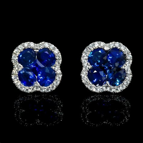 Blue Sapphire 1 44ct 44ct and blue sapphire 18k white gold cluster