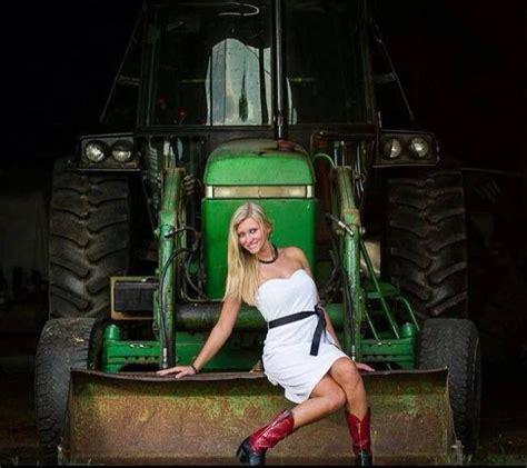 girls on john deere tractors john deer tractor country girl http www getinwithron