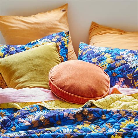 Bedcover Polos Baby Blue Baby Pink Ukuran Single flora blue quilted single pillowcase bed