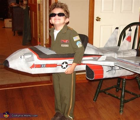 jet pilot maverick   top gun fighter jet costume