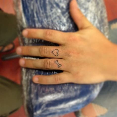 47 attractive finger tattoos