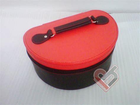Tempat Makeup Box Kosmetik Hitam Inner Merah cosmetic box organizer tempat kosmoetik cantik murah