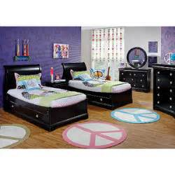 Rooms To Go Childrens Bedroom Sets Oberon Black 4 Pc Sleigh Bedroom Rooms To Go Polyvore