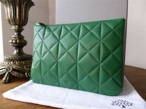 cara membuat zipper pouch mulberry cara delevingne zip pouch in green quilted nappa