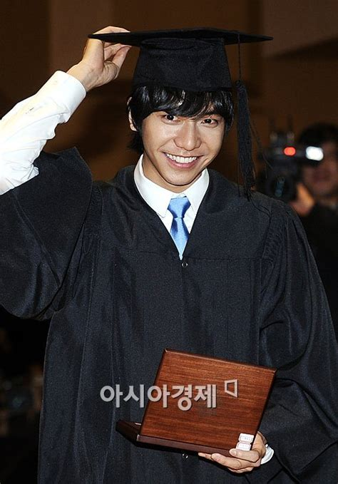 lee seung gi university lee seung gi finally out of school asianluvs