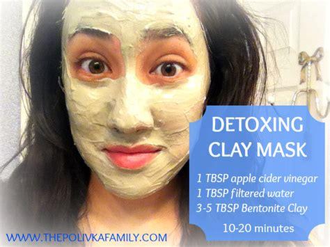 Bentonite Clay Detox Mask by Detoxing Clay Mask