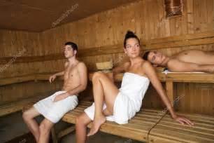geiler fick in der dusche bastu spa terapi ung vacker grupp stockfoto 5511537
