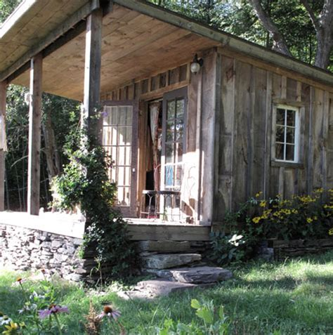 Cottages Near Delhi by Tour Of A Tiny Cabin In Delhi New York