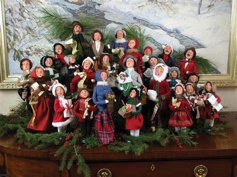 christmas carolers outdoor displays