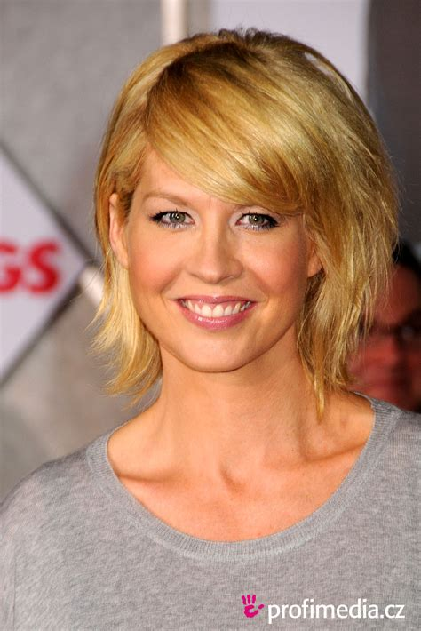 does jenna elfmans hair look better long or short jenna elfman hairstyle easyhairstyler