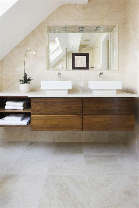 waschbecken auf tisch travertin fliesen im badezimmer gestaltungsm 246 glichkeiten