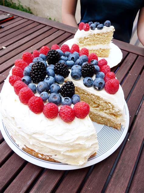 vegan birthday cake recipe for vegan birthday cake tofuparty