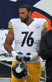 Mike Adams (offensive tackle) - Wikipedia