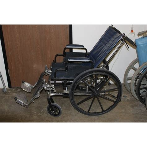 tracer sx5 recliner wheelchair used recliner wheel chair invacare tracer sx5 18 quot dark