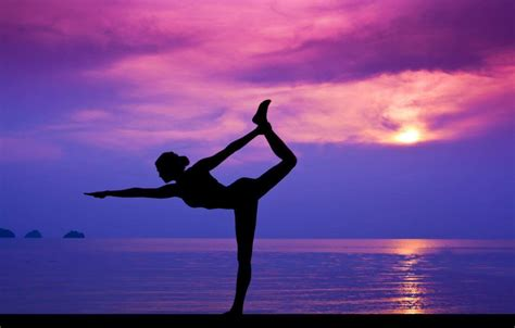 imagenes yoga mujer 5 beneficios de ir a la playa terrenas paradise